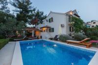 Holiday Home Kamenica, Dovolenkové domy - Mirce