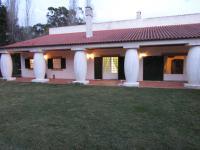 Very Quiet Place, Pensionen - Sintra