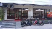 Legenda Beril Hostel, Hostely - Makassar