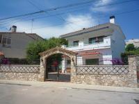 Villa service Casa Nirvino, Дома для отпуска - Калафелл