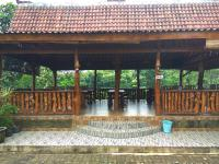 Pondok Pinang Homestay, Homestays - Licin