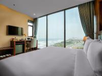 Adamo Hotel, Отели - Дананг