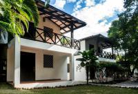 Hostel Dos Monos North, Inns - Santa Teresa Beach