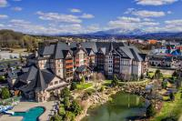 The Inn at Christmas Place, Hotel - Pigeon Forge