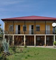 Sopho House, Vendégházak - Ganarjiis Mukhuri