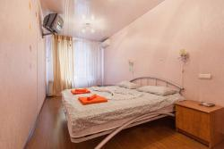 Apartment Like Home at Akhtyamova 32
