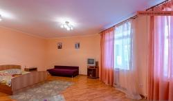 Apartment On Chkalova 124