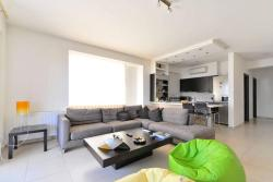 Two-Bedroom Apartment-Glyfada