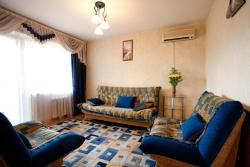 Apartment Srednemoskovskaya 7