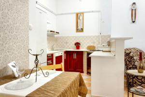 Awesome loc'n -Opera lux on budget, Апартаменты  Будапешт - big - 9