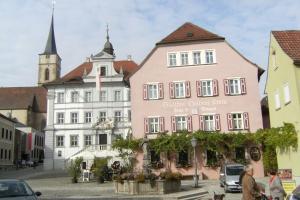 Die Gönothek - Ferienwohnungen, Apartments  Iphofen - big - 93