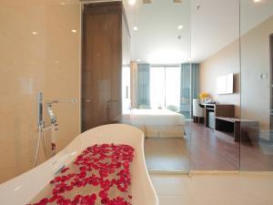 Adamo Hotel, Отели  Дананг - big - 81
