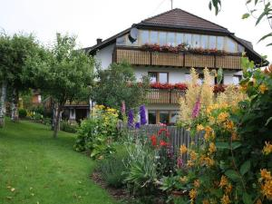 Haus Tannenhof, Penzióny  Ibach - big - 15
