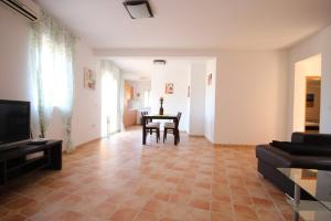 Villa Maryvilla 0510, Виллы  Кальпе - big - 19