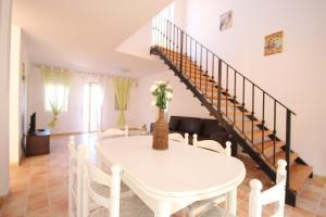 Villa Maryvilla 0510, Villen  Calpe - big - 11