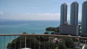 Rainbow Paradise Apartments, Ferienwohnungen  Tanjung Bungah - big - 1