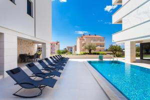 Paradise Luxury Apartments - Sunset Suite 11, Apartmány  Podstrana - big - 49