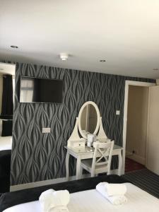 Happy Return Hotel, Vendégházak  Blackpool - big - 57