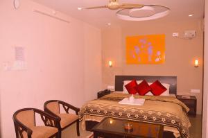 Cozy Nook Hotel