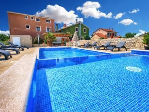 Apartments Mile 1249, Apartments  Fažana - big - 1