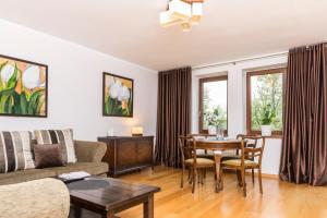 Wroclaw Riverside Apartment