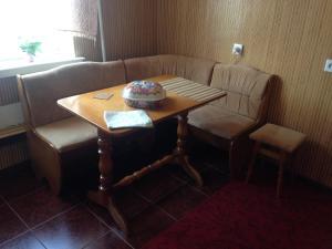 Apartment Akademika Hrushevskogo 44, Ferienwohnungen  Rivne - big - 11
