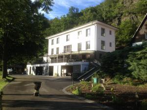 Hotel Mandat