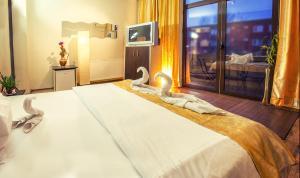 Бухарест - Hotel EOS