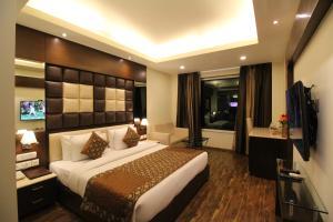 Hotel Golden Grand, Отели  Нью-Дели - big - 24