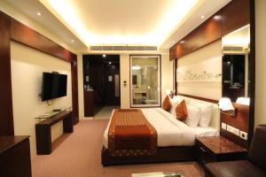 Hotel Golden Grand, Отели  Нью-Дели - big - 26