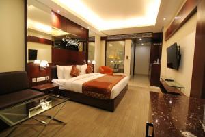 Hotel Golden Grand, Отели  Нью-Дели - big - 28