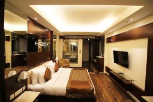 Hotel Golden Grand, Отели  Нью-Дели - big - 30