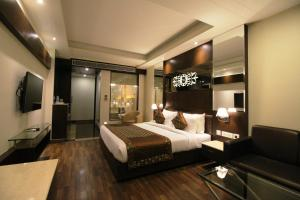 Hotel Golden Grand, Отели  Нью-Дели - big - 34