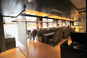 Hotel Golden Grand, Отели  Нью-Дели - big - 59