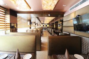 Hotel Golden Grand, Отели  Нью-Дели - big - 56