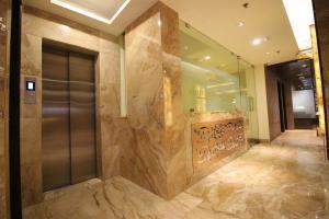 Hotel Golden Grand, Отели  Нью-Дели - big - 62