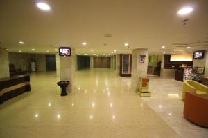 Hotel Golden Grand, Отели  Нью-Дели - big - 69