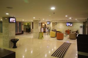 Hotel Golden Grand, Отели  Нью-Дели - big - 71