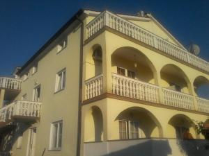 Apartments Brkic