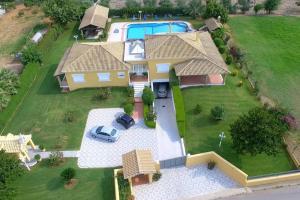 Luxury villa-huge pool