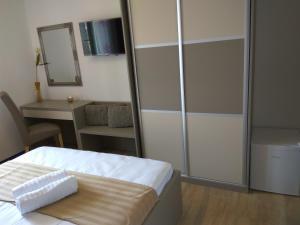 B&B Villa Oasa 1, Отели типа «постель и завтрак»  Ровинь - big - 66