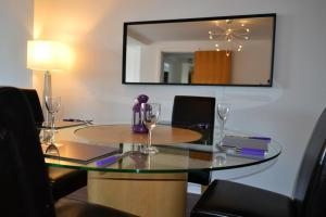 Ultimate Location 3 Bed Apartment
