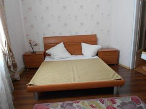 Apartments on Grecheskoy square, Apartments  Odessa - big - 8