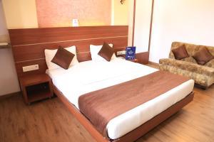 OYO 394 Hotel Panvel Palace