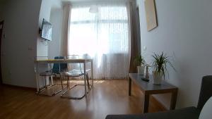 Mitjana Plaza, Appartamenti  Málaga - big - 35