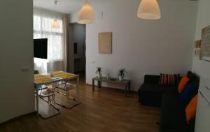 Mitjana Plaza, Appartamenti  Málaga - big - 36