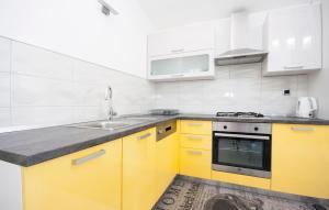 Apartments Alisa, Апартаменты  Бродарица - big - 30