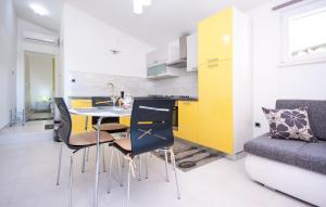 Apartments Alisa, Апартаменты  Бродарица - big - 7