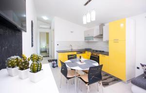 Apartments Alisa, Апартаменты  Бродарица - big - 31