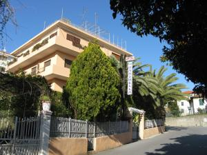 Nearby hotel : Albergo La Marinella